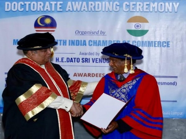 Dr-Sailesh-Lachu-Hiranandani-receives-Doctorate-from-Malaysia-South-India-Chamber-of-Commerce